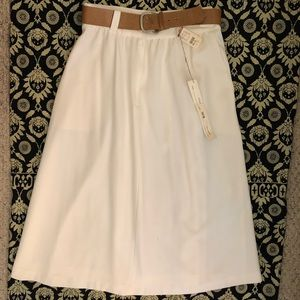 Sag Harbor belted full skirt - Vintage AND NWT!!